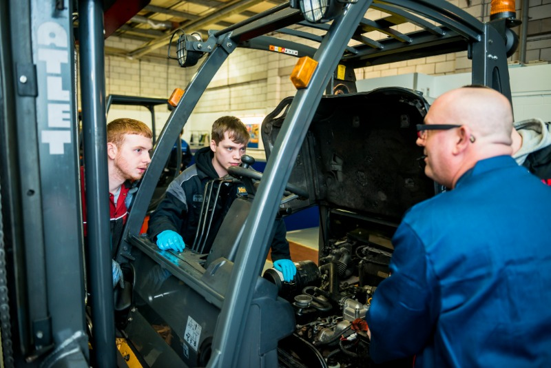 New apprentice training on lift trucks